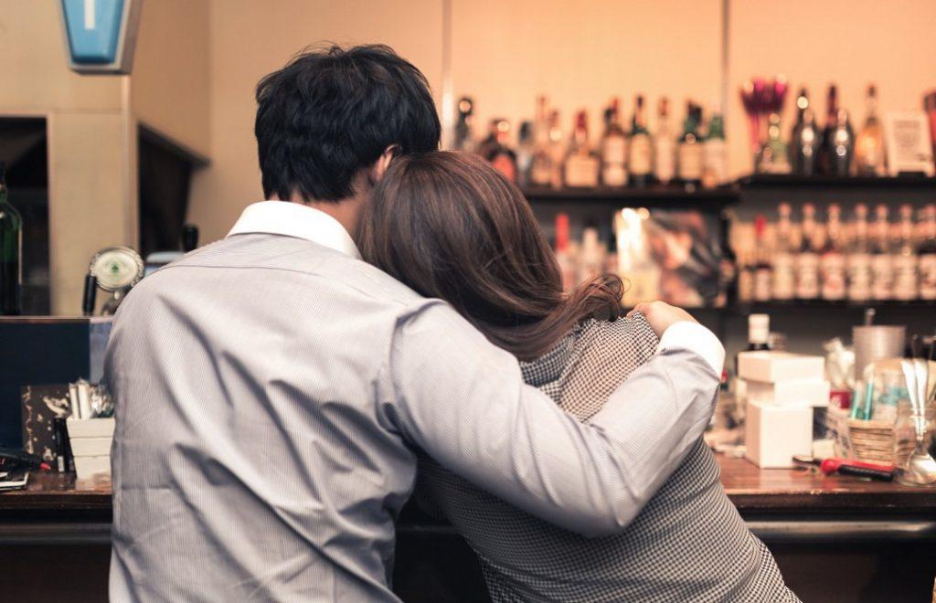 『婚活パーティーに潜む遊び目的の男性にターゲットにされてしまう女性の特徴』